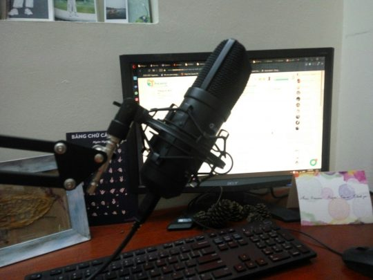 Voiceover Tiếng Anh/ English voiceover – voice talent